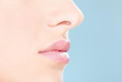Козметика за лице при проблемна акнеична кожа.