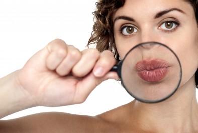 Какво означават цепнатите ъгли на устните