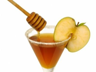 Домашни лекове с мед и канела и как да ги прилагаме при различни болести