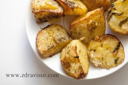 Печени картофи на фурна по гръцки