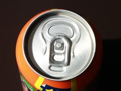 По какъв начин газираните и подсладени напитки увреждат организма ни