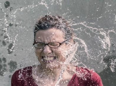 Как да се справим с изпотяването и лошата миризма през топлите месеци