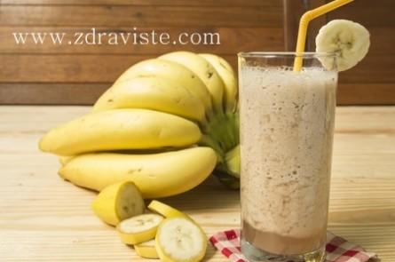 Бананово смути с кълнове за повече енергия