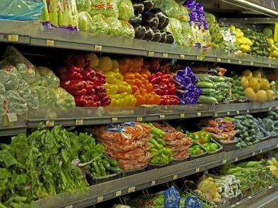 Нов закон във Франция забранява изхвърлянето на непродадена храна