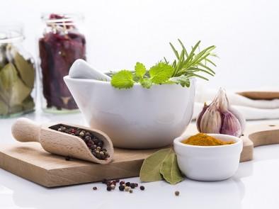 Рецепти с живовляк и мед при болки в стомаха и кашлица