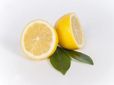 С какво са полезни лимонените кори и как да ги консумираме